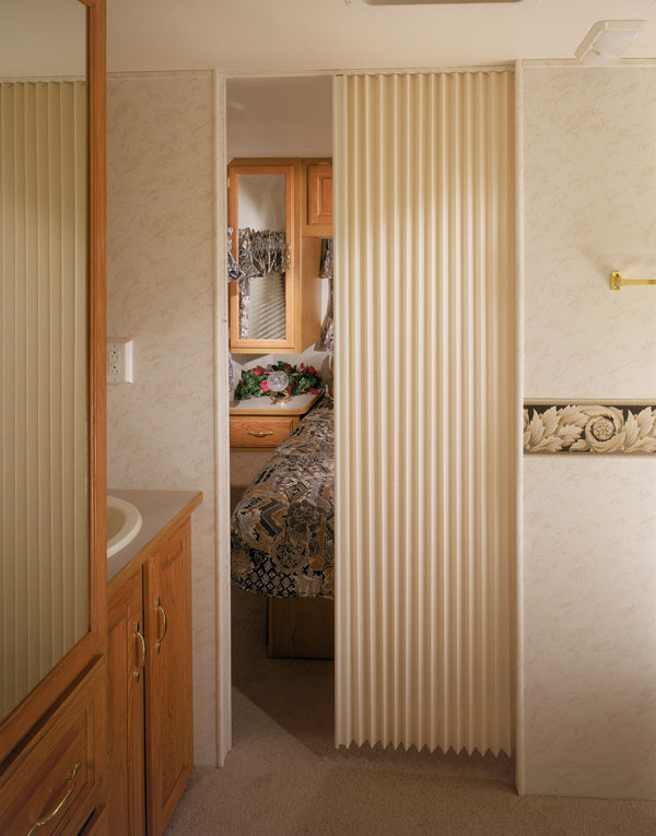 Accordion pleated doors pictures to pin on pinterest for Accordion doors